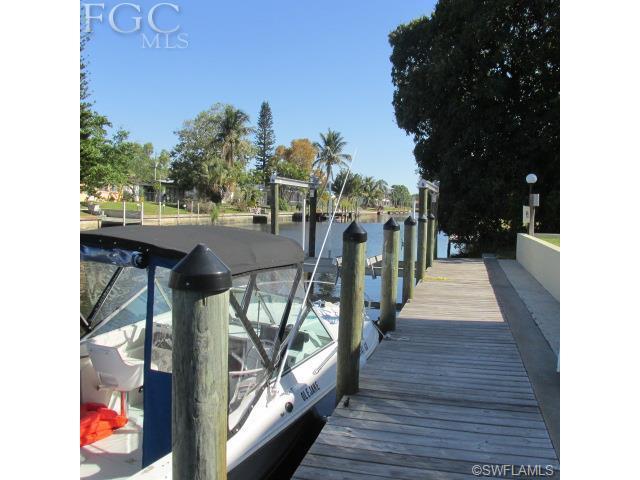4919 Victoria Dr #APT 6, Cape Coral FL 33904