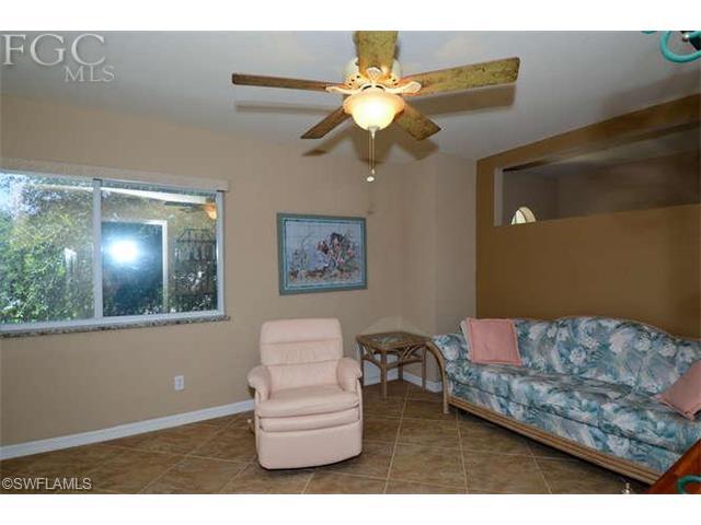 8490 Southbridge Dr #APT 2, Fort Myers FL 33967