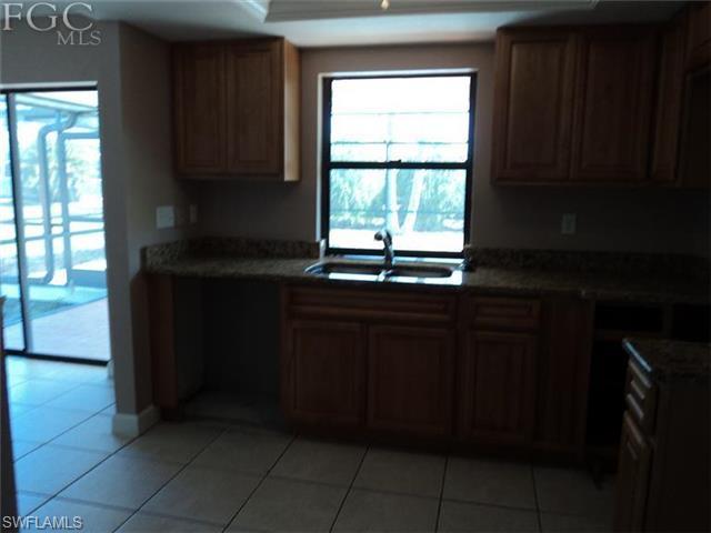 3631 SW 7th Pl, Cape Coral FL 33914