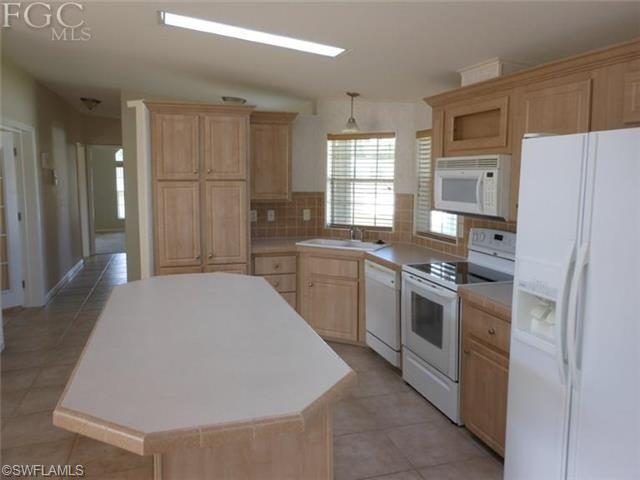 9796 Cattail Ct, Fort Myers FL 33905