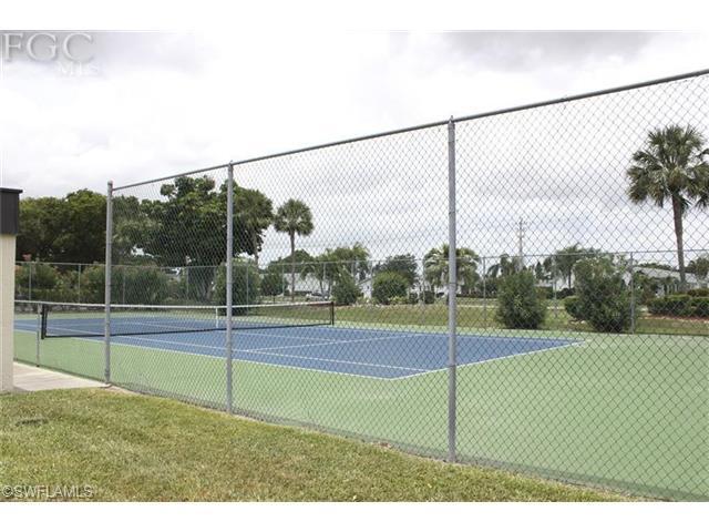6979 Winkler Rd #APT 128, Fort Myers FL 33919