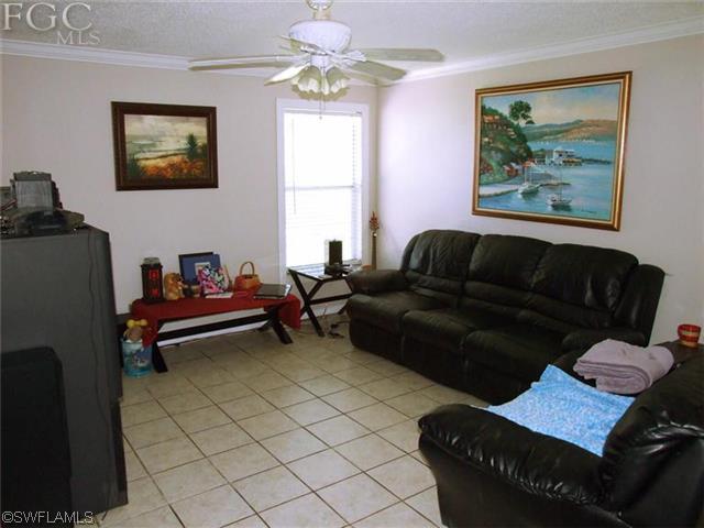 123 SW 19th Ln, Cape Coral FL 33991