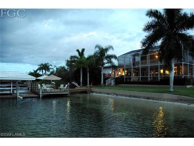 5420 Harborage Dr, Fort Myers, FL
