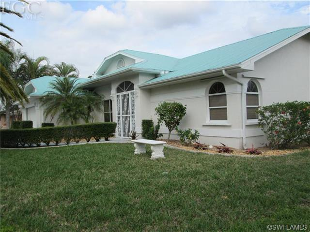 2229 SE 10th Ave, Cape Coral FL 33990