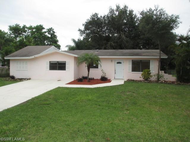 8360 Mesa Dr, Fort Myers, FL