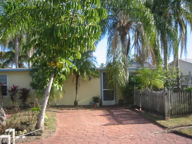 2637 1st St, Cape Coral, FL