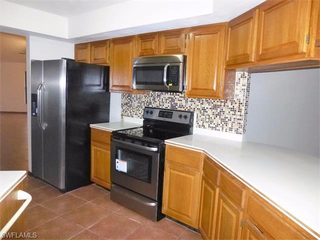 3944 Hidden Acres Cir S, North Fort Myers, FL 33903