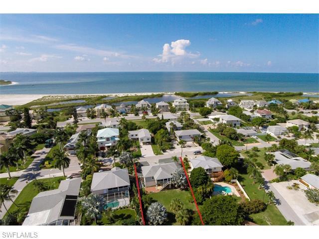 8003 Buccaneer Dr, Fort Myers Beach, FL
