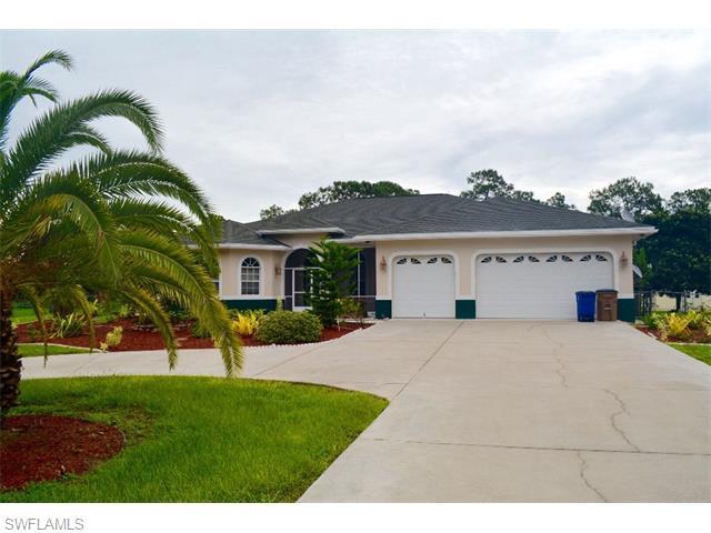 910 Palmetto Ave, Lehigh Acres, FL