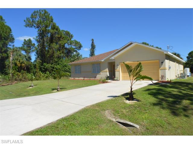 520 Lake Ave, Lehigh Acres, FL