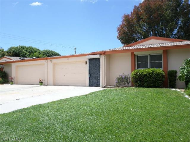 5594 Pendlewood Ln, Fort Myers, FL