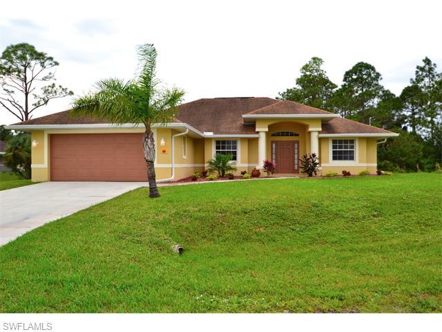 827 Julio Cir, Lehigh Acres, FL