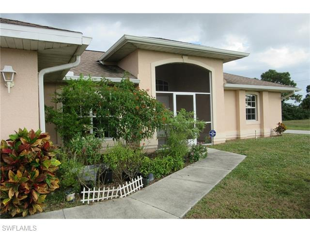 215 NW 16th Pl, Cape Coral, FL