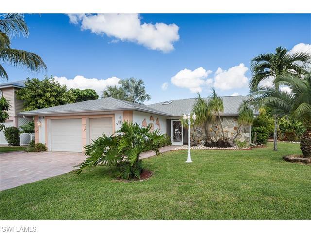 8015 Buccaneer Dr, Fort Myers Beach, FL