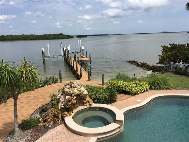 5600 Williams Dr, Fort Myers Beach, FL