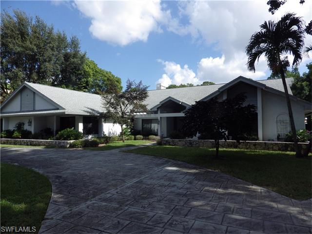 13523 Pine Villa Ln, Fort Myers, FL
