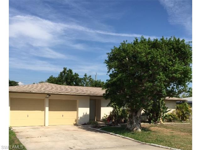 5221 Elm Ct, Cape Coral, FL
