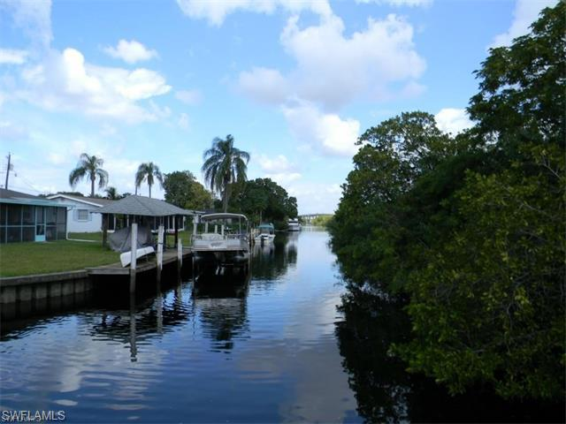 155 Schneider Dr, Fort Myers, FL