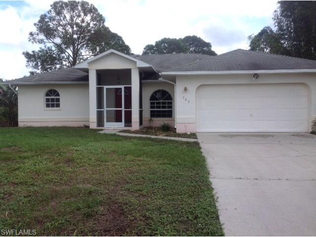 702 Thompson Ave, Lehigh Acres, FL