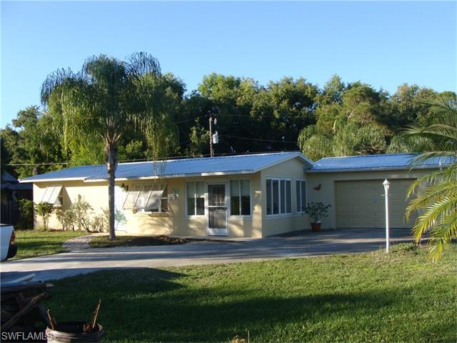 7402 Sundiet Blvd, Bokeelia, FL