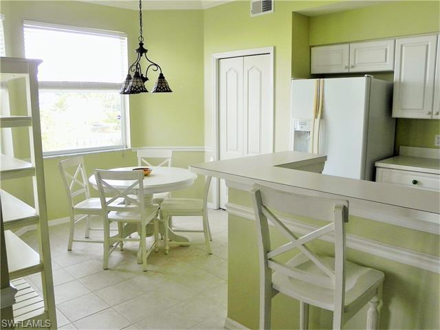 16585 Lake Circle Dr 132 #APT 132, Fort Myers, FL