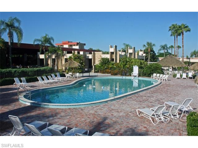 1828 Pine Valley Dr 106, Fort Myers, FL
