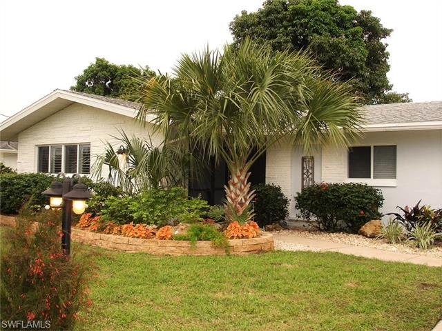 806 Montclaire Ct, Cape Coral, FL