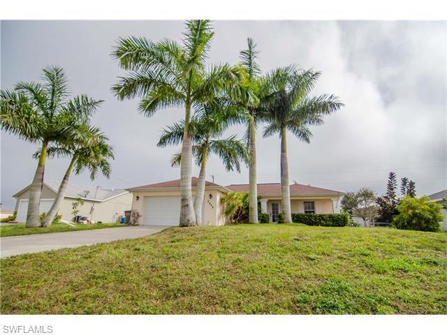 2817 NE 4th Pl, Cape Coral, FL