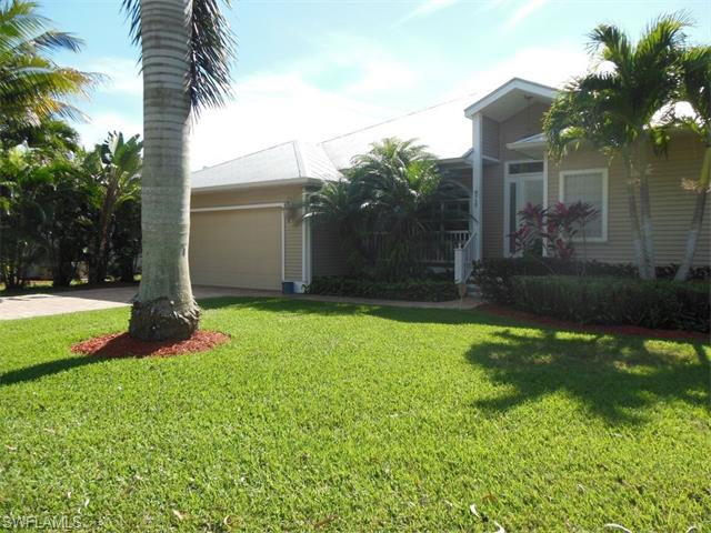 8727 Lakefront Ct, Fort Myers, FL