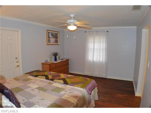 902 E 6th St, Lehigh Acres, FL