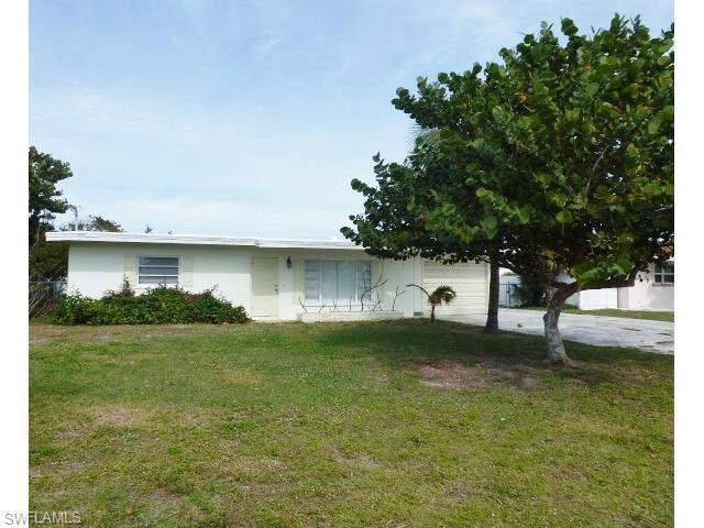 4732 Flamingo Dr, Saint James City, FL
