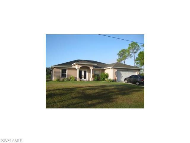 2827 Nancy Dr, Lehigh Acres FL 33971