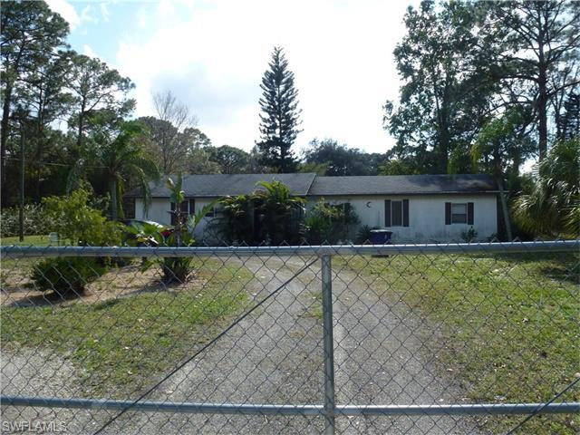 2053 Zoysia Ln, North Fort Myers FL 33917