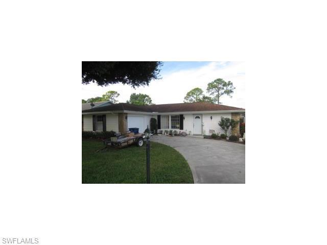117 Robert Ave, Lehigh Acres FL 33936