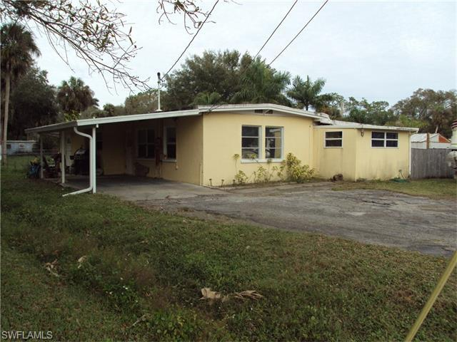 88 Evergreen Rd North Fort Myers, FL 33903