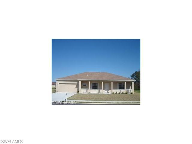 2700 Soaring Hawk Dr, Fort Myers, FL 33905