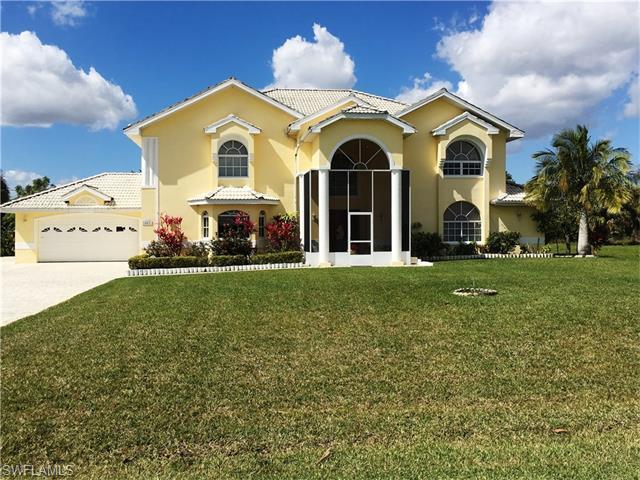 607 Hibiscus Ave, Lehigh Acres, FL