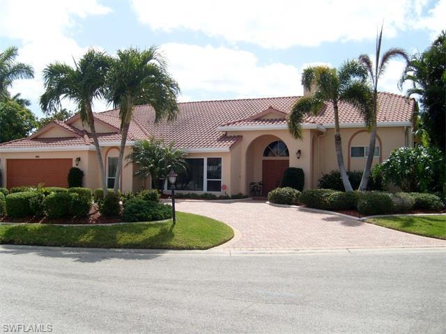 948 Wittman Dr, Fort Myers, FL