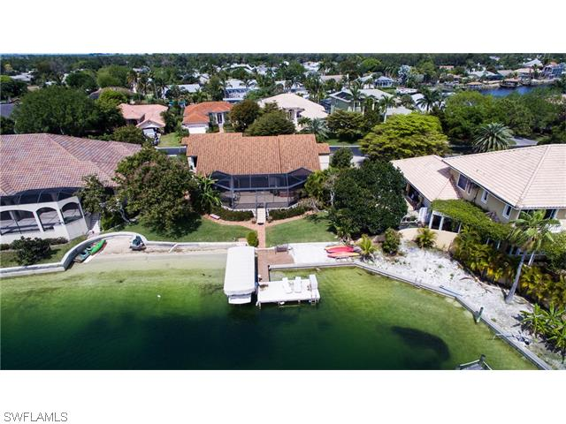 5690 Harborage Dr, Fort Myers, FL