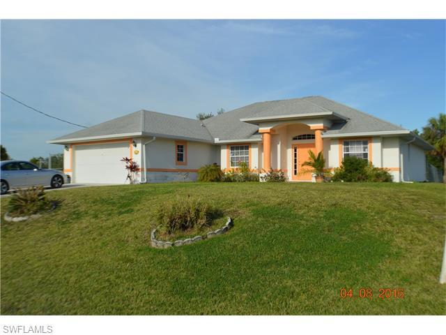 5900 Dora Ave, Lehigh Acres FL 33971