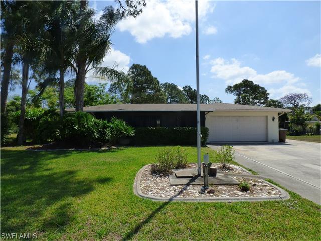 302 Greenwood Ave, Lehigh Acres, FL