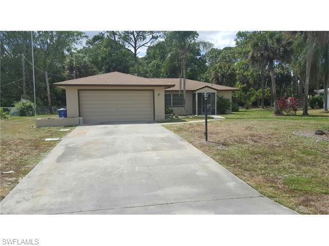209 Maple Ave, Lehigh Acres, FL