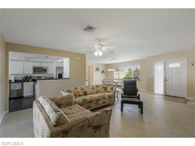 3301 Country Club Blvd, Cape Coral FL 33904