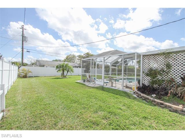 1028 SE 25th Ter, Cape Coral, FL