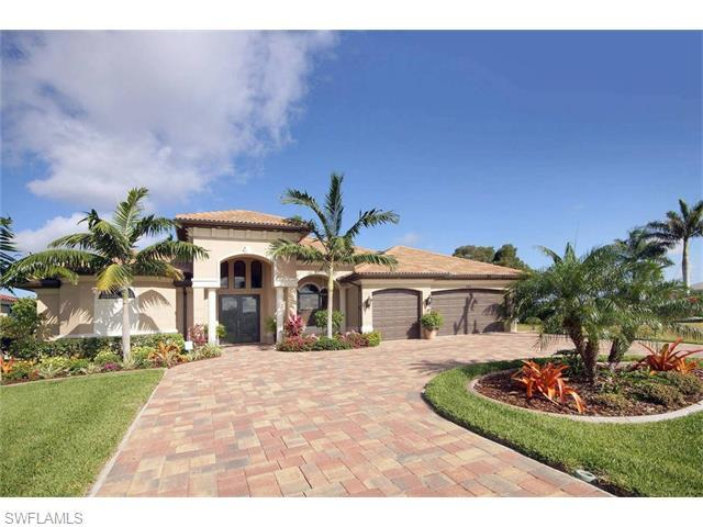 2952 Surfside Blvd, Cape Coral, FL
