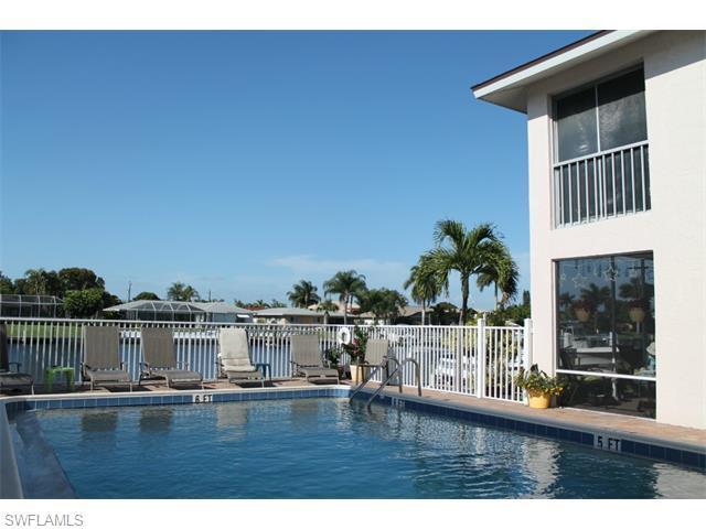 1627 Beach Pky 205 #APT 205, Cape Coral FL 33904