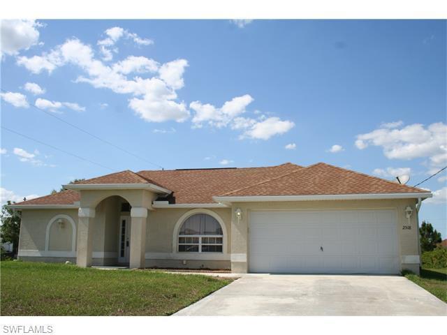 2518 20th St, Lehigh Acres, FL