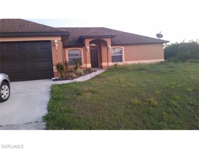 2801 27 St, Lehigh Acres, FL