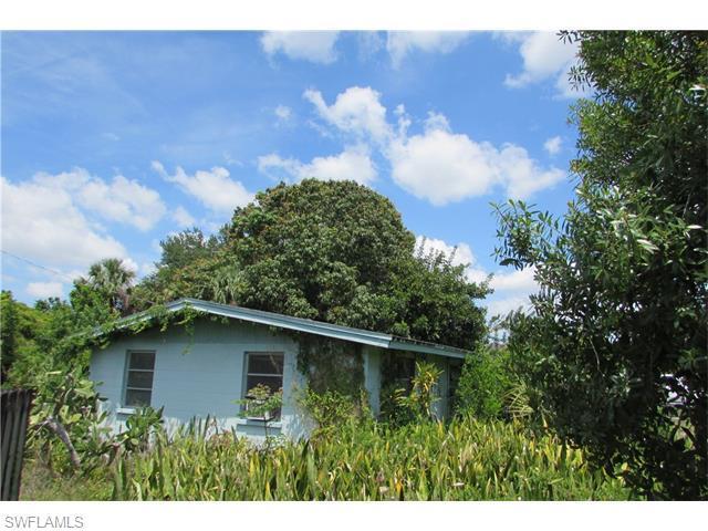 1215 Gramac Dr, North Fort Myers, FL