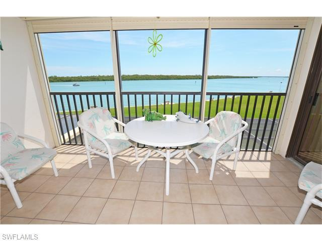 4253 Bay Beach Ln F2 #APT F2, Fort Myers Beach, FL